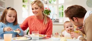 De-plaats-aan-tafel-draagt-bij-aan-het-vervullen-van-je-rol-in-de-familie1